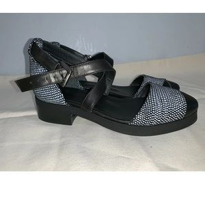 SURFACE TO AIR shoes Size 36 Heels Sandals Black